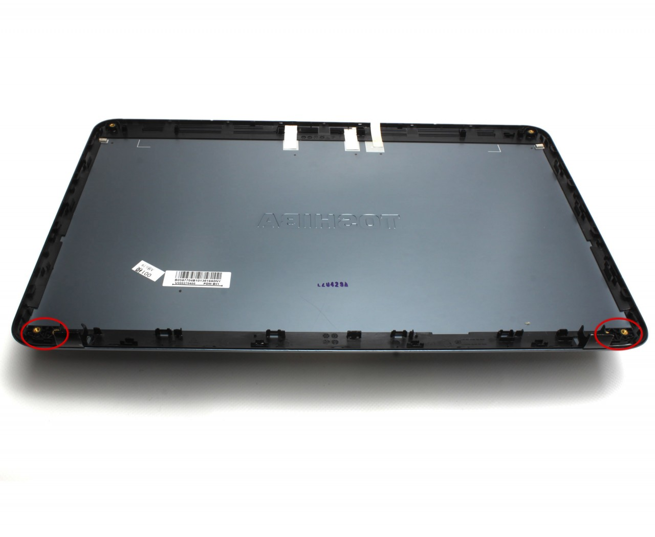 Capac Display BackCover Toshiba Satellite L855 Carcasa Display Gri cu 2 Suruburi Balamale imagine powerlaptop.ro 2021
